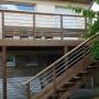 Terrasse sur poteaux en bois
