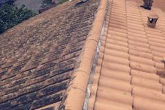 nettoyage toiture classique en tuiles