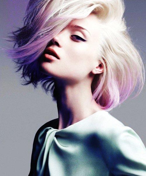 prte assumer une chevelure rose poudr cet hiver un rendez vous chez votre coiffeur est incontournable en effet pour un pastel hair russi - Coloration Cheveux Pastel