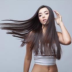 """Des coupes de cheveux dans """"l'hair du temps"""""""