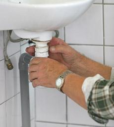 Débouchage de siphon lavabo salle de bain wc